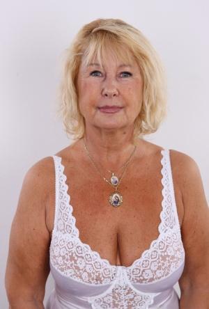 Nude Mature Granny Pics