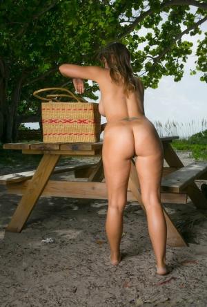 Nude Mature Ass Pics