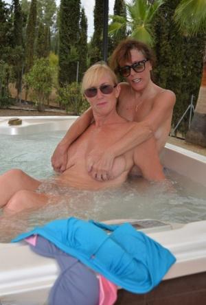 Nude Mature Pool Pics