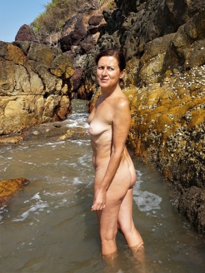 Nude Mature Outdoor Pics