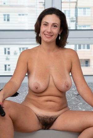 Nude Hairy Mature Pics