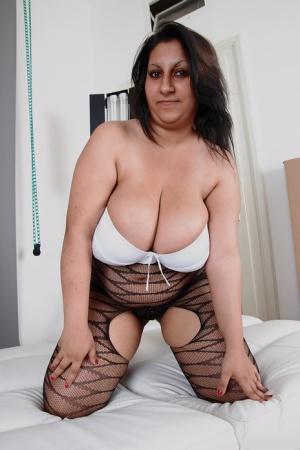 Nude Mature Saggy Tits Pics