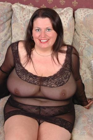 Nude Mature Chubby Pics